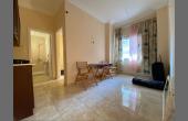 1060, Светлая, уютная квартира в доме с бассейном