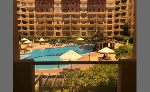 ЖК Флоренция, 1 спальня, 2 балкона. Вид на бассейн.