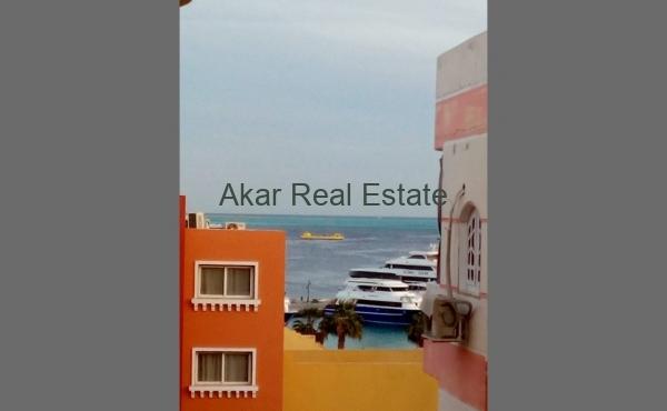 Апартаменты около набережной Марина