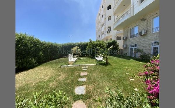 3 спальни, 2 ванные комнаты, 2 балкона. Рядом бесплатный пляж